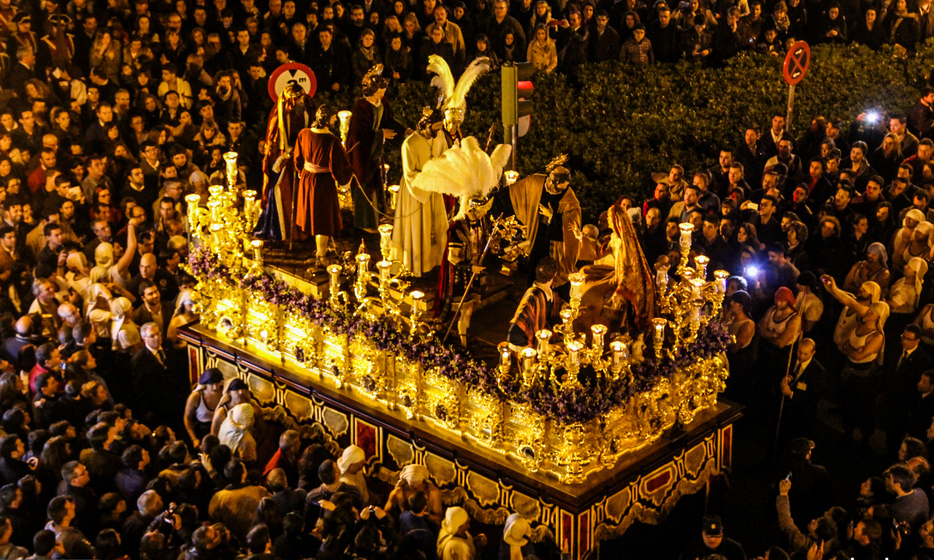 Seeing the Holy Week parades in Seville